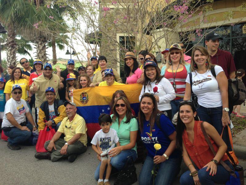 Grupos de venezolanos de Orlando rumbo a New Orleans.